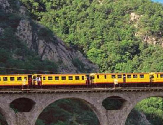 Vuelve a circular el Tren Groc de la Cerdanya.