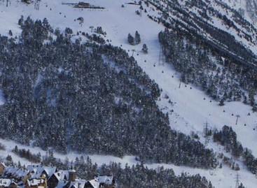 Una nevada en la Cerdanya da un respiro algunas pistas de esqui